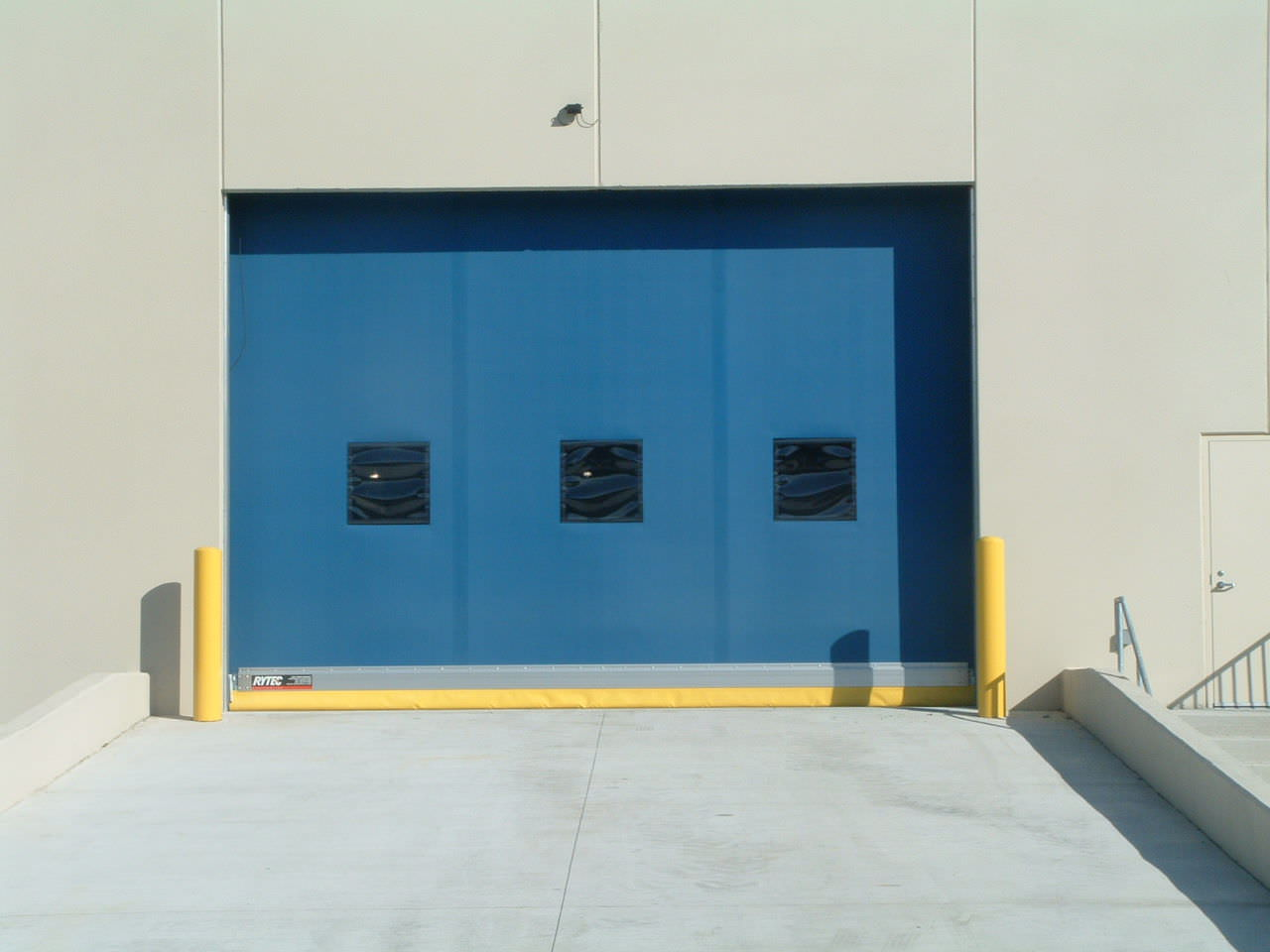 Roll-up doors / industrial / exterior / design - Fast-Seal ...