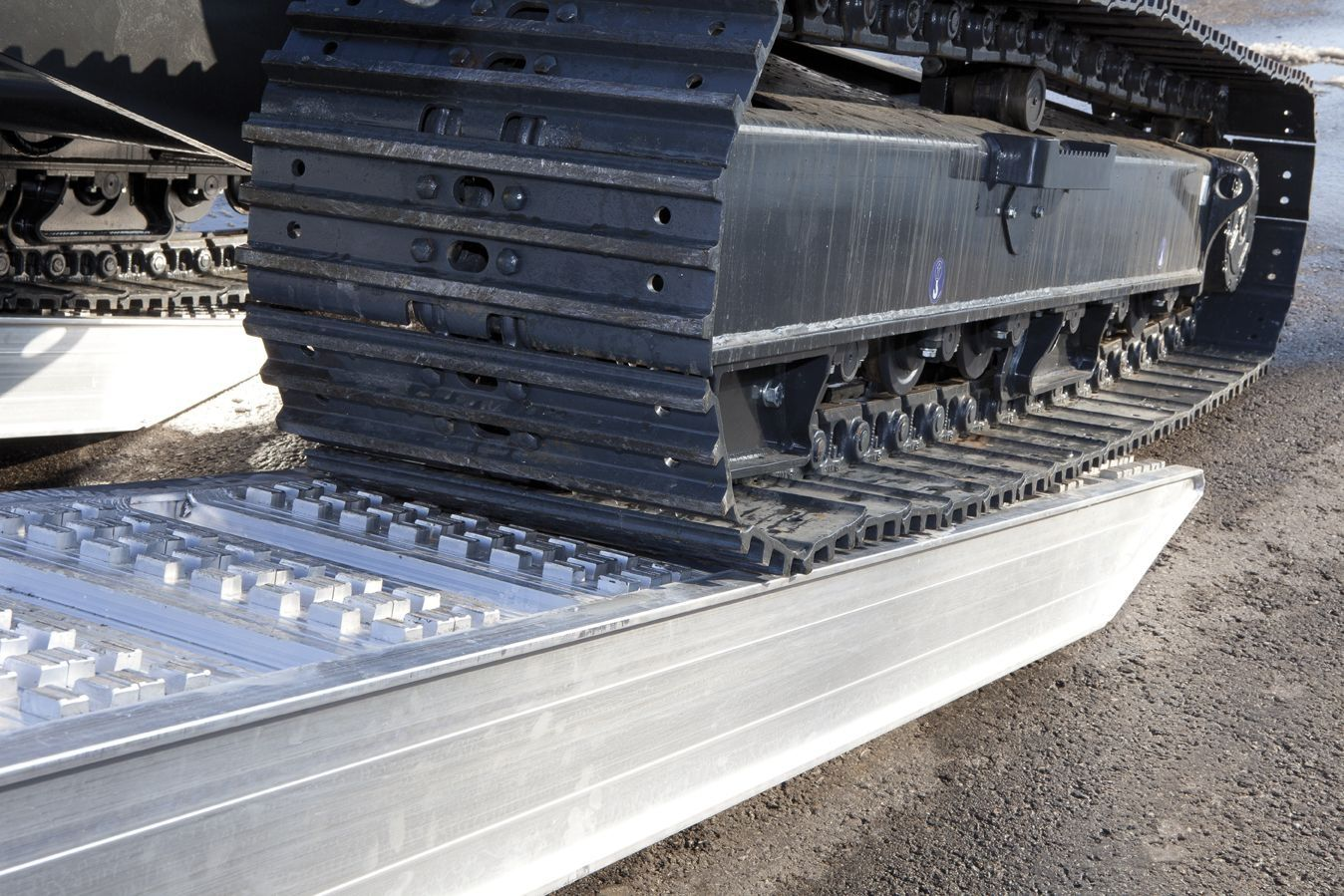 aluminum loading ramp 2 500 4 500 mm 3 000 12 173 kg - Aluminum Ramps