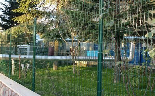 Welded plastic-coated fence - KOSEDAG MESH WIRE FENCE