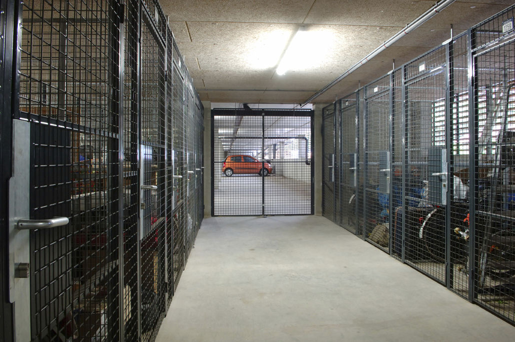 Charmant Storage Partition / Wire Mesh