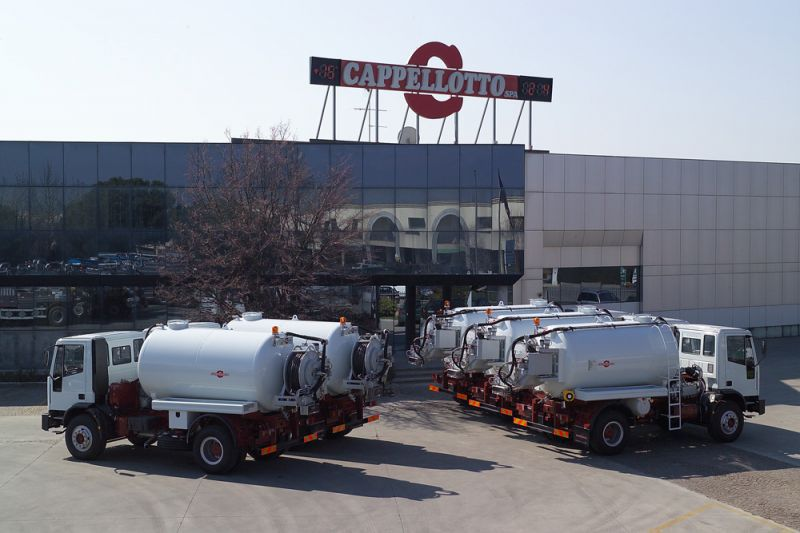 Water cleaner / hydraulic / truck-mounted / high-pressure - CAP ...