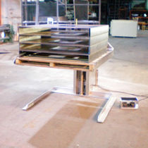 Hydraulic lift / for pallets