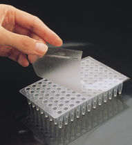 Adhesive film / for microplates