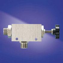Paint back-pressure regulator / compact
