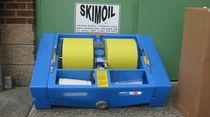 Revolving oil separator