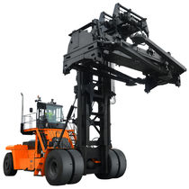 Diesel forklift / ride-on / for containers / loading