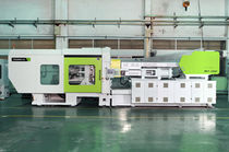 Horizontal injection molding machine / hydraulic / for PET / low-pressure