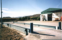 Concrete weighbridge / for vehicles / for heavy loads