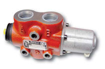 Pneumatically-actuated diverter valve / 3-way