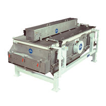 Vibrating separator / sludge / for the food industry / rectangular
