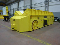 Electric self-propelled trailer
