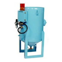 Abrasive feeding system for water-jet cutting machines