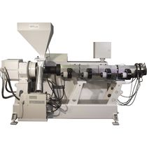 Single-screw extruder / grooved feed