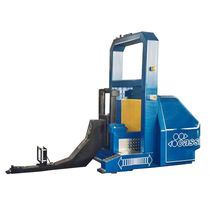 Electric stacker truck / AGV / traction / for materials handling
