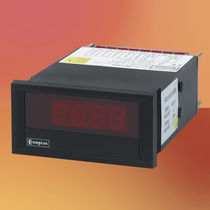 Digital display / 4-digit / 7-segment / built-in