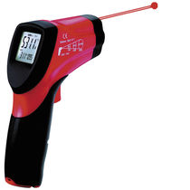 Infrared thermometer / with LCD display / hand-held / with laser pointer