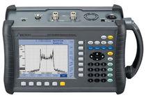 Spectrum analyzer / portable / mobile