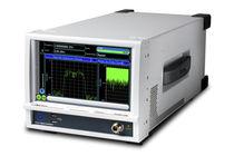 Network analyzer / signal / rack-mount