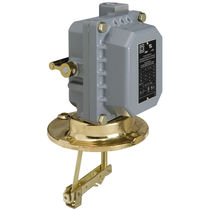 Float level switch / for liquids / flange