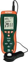 Digital light meter / with data logger