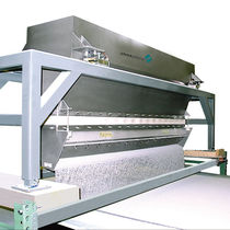 Vibrating feeder / continuous-motion / for bulk materials