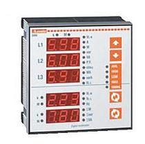 Digital multimeter / panel-mount