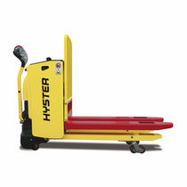Electric pallet truck / walk-behind / indoor / loading