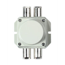 Wall-mounted junction box / IP66 / cast aluminum / with cable gland