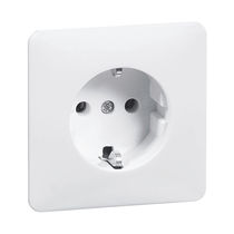 Wall-mounted electrical socket / IP20