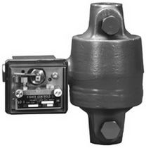 Displacer level switch / for oil