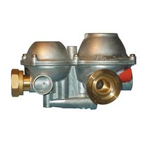 Gas pressure regulator / two-stage / spring / direct-acting