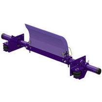 Conveyor belt pre-cleaner