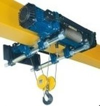 Electric cable hoist / low-headroom