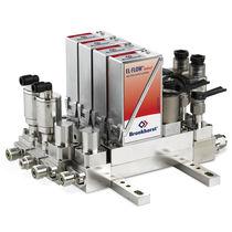 Mass flow regulator / pneumatic