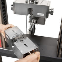 Screw testing machine / pneumatic