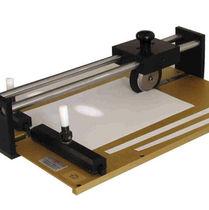 Paper cutter / manual