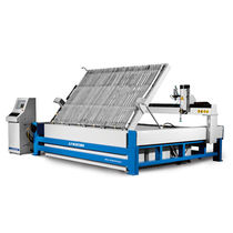 Cantilevered cutting machine / metal / plastic / wood
