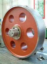 Spur gear / helical-toothed / steel / shaft