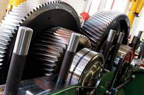 Spur gear / helical-toothed / ground / for railway applications