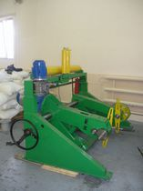 Cable payout / motorized / pedestal-mount