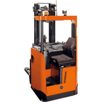 Electric stacker truck / side-facing seated / for pallets