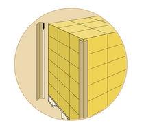 Adhesive protection corner / cardboard