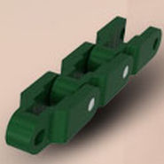 Plastic conveyor chain / link