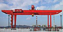 Rubber-tired gantry crane / for containers / hydraulic
