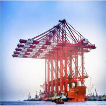Rail-mounted gantry crane / ship-to-shore