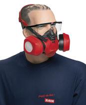 Respiratory half-mask / cartridge / light-weight