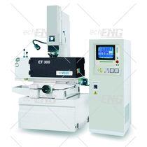 Die sinking electrical discharge machine / precision