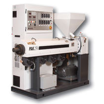 Single-screw extruder / grooved feed / smooth bore