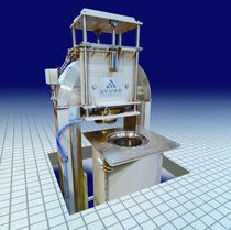 High-pressure seafood processing system