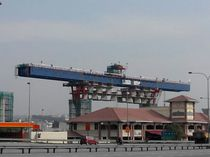 Span-by-span launching gantry / for bridge construction